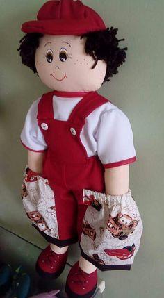 Boneco  hola quiero ese muñeco Love Crochet, Easy Crochet, Diaper Holder, Baby Quiet Book, Doll Sewing Patterns, Granny Square Crochet Pattern, Crochet Mandala, Boy Doll, Fabric Dolls