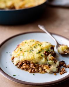 The Best Vegan Lentil Shepherd's Pie   Rainbow Plant Life Wine Yeast, Fluffy Mashed Potatoes, Potato Toppings, Green Lentils, Healthy Comfort Food, Healthy Living, Nutritional Yeast, Vegan Butter