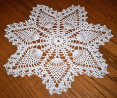 "Lovely Vintage Hand Crocheted Lace Doily Pineapple 10.5"" White Estate Item EUC"