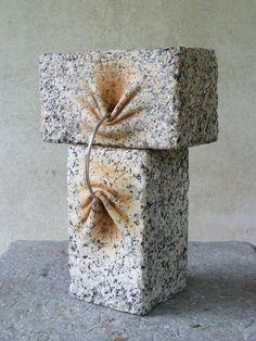 Les créations de l'artiste espagnolJosé Manuel Castro López, qui travaille la pierre de manière étonnante, parvenant à lui donner une apparence molle et
