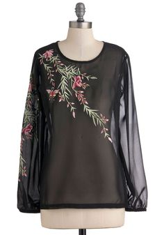 Floral Reverie Top - Black, Floral, Casual. This is an everyday Hilary top!