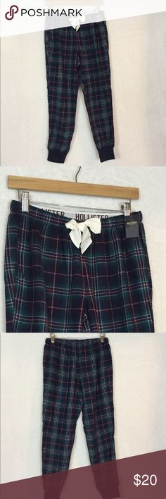 Hollister plaid pajama pants NWT small❤️💋😘 Super cute and new with tags - wear all year round 💁 measures 13 waist 26 inseem 9 rise😘 I take offers and bundles but no trades💋 Hollister Intimates & Sleepwear Pajamas