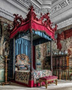 Alcoba. #arte #fotografia #arquitectura #decoracion #antiguedades #muebles #interior #alcoba #dormitorio #cama #dosel #art #photography #architecture #decoration #antiques #furniture #bedroom #dormitory #bed #baldachin #instamuseum #instapic #photooftheday #photoart #picoftheday #artlover #historyofart #historiadelarte #fineart by francisacedo