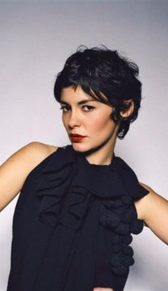 Most viewed - 023 - Audrey Tautou Gallery Pixie Hairstyles, Pixie Haircut, Pretty Hairstyles, Short Curly Hair, Short Hair Cuts, Curly Hair Styles, Pixie Cuts, Audrey Tautou, Great Hair