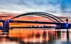 Zo fijn dat er zoveel mensen zijn die prachtige foto's maken van Rotterdams. De Brienenoordbrug op zijn best!
