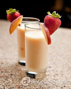 A smoothie for people with diabetes that uses non-fat yogurt. DiabeticLifestyle includes nutritional and diabetic exchange so that you can plan your meals and snacks, whether you have type 1 diabetes or type 2 diabetes. Diabetic Smoothie Recipes, Peach Smoothie Recipes, Diabetic Drinks, Healthy Snacks For Diabetics, Healthy Drinks, Pre Diabetic, Diabetic Tips, Diabetic Meals, Healthy Shakes