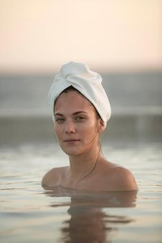 Hair is at its most delicate and vulnerable to damage when it is wet. So for hair that glows with natural health, you need to care for it like a baby. Be gentle. Don't rub it the wrong way. Don't blast it with too much heat. Just wrap it up and let our super absorbent hair turban do the rest.