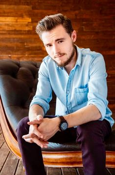 Callan McAuliffe / Flipped / I Am Number Four / The Great Gatsby / Robot Overlords / The Stanford Prison Experiment / The Legend Of Ben Hall / Beneath The Harvest Sky / The Walking Dead Callan Mcauliffe, Stanford Prison Experiment, I Am Number Four, The Great Gatsby, Walking Dead, Harvest, Robot, Sky, Heaven