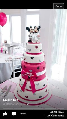 Micky and Minnie Mouse wedding cake !