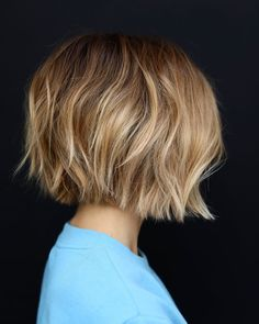 25 Chin Length Bob Hairstyles That Will Stun You in 2019 - Style My Hairs Line Bob Haircut, Haircut For Thick Hair, Haircut Style, Cuts For Thick Hair, Short Thick Hair, Bobs For Thin Hair, Short Hair Cuts For Women, Stacked Bob Hairstyles, Short Bob Haircuts