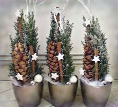 Hottest Images Xmas crafts wreaths Strategies Obtaining a evening of Christmas time craft idea brainstorming. It can be 5 days ahead of Christmas. Christmas Design, Christmas 2017, Rustic Christmas, Winter Christmas, Christmas Time, Diy Christmas Decorations For Home, Xmas Crafts, Christmas Wreaths, Christmas Ornaments