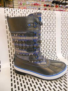 christmas clearance, top quality UGG BOOTS on sale, HOT-SELLING ugg boots clearance, cheap discount ugg boots wholesale. Cheap Snow Boots, Ugg Snow Boots, Ugg Boots Sale, Ugg Winter Boots, Winter Shoes, Ugg Sale, Classic Ugg Boots, Ugg Classic, Ugg Boots Outfit