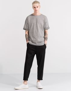 Grey t-shirt + Black trousers + White sneakers Casual Outfits, Men Casual, Fashion Outfits, Fashion Moda, Mens Fashion, Normcore Fashion, Herren Outfit, Men's Wardrobe, Aesthetic Fashion
