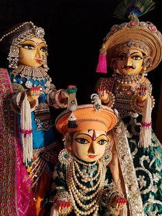 Krishna Art, Lord Krishna, Happy Holi Wallpaper, Jai Hanuman, Indian Dolls, Mural Art, Henna Designs, Princess Zelda, Photography
