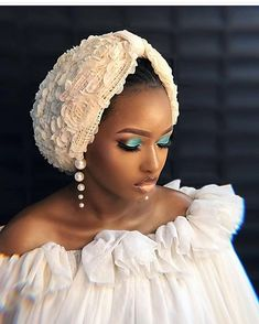 Image may contain: one or more people Mode Turban, Turban Hijab, African Head Scarf, African Head Wraps, Hijab Bride, Pakistani Wedding Dresses, African Attire, African Dress, Turbans