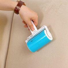 Rouleau de nettoyage anti-poils - 2 modèles - Efficace 💖 Rouleau portable de nettoyage pour se débarrasser des poils même les plus rebelles ! Elimination des poils de chiens, de chats ou tout autres animaux, et des poussières. Chimey avec son poil ras le sait bien ! C'est très difficile de se débarrasser des poils pris dans les vêtements, les sièges auto, le canapé, la literie, les meubles ou tout autre surface. C'est pour cette raison qu'il a été séduit par cet accessoire indémodable et…