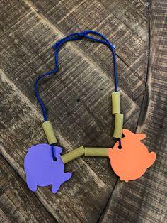 "Bastelbeispiel für Woche ""Loaves and Fishes Necklace"" - Fisch Krafts Ideen Fish Crafts Preschool, Fish Activities, Preschool Bible, Adult Crafts, Toddler Crafts, Diy Crafts For Kids, Sand Crafts, Seashell Crafts, Arts And Crafts Storage"