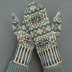 Ravelry: Tettegouche Mittens pattern by Virginia Sattler-Reimer Knitted Mittens Pattern, Loom Knitting Patterns, Knit Mittens, Knitted Gloves, Knitting Socks, Knitting Projects, Hand Knitting, Knitting Tutorials, Knitting Machine