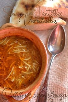 Soupe de Lentilles et vermicelles express et sans viande Lentil and Vermicelli Soup (without meat) Healthy Soup Recipes, Easy Chicken Recipes, Stew And Dumplings, Clean Eating Soup, Dumpling Recipe, Lentil Soup, Carne, Melina, Harira