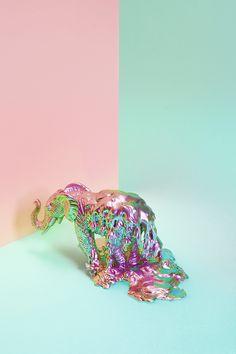 Inspiration du jour : DollarStore par Benoit Paille et Daniel Delisle Space Grunge, Still Life Photography, Minimal Photography, Product Photography, Creative Photography, Vaporwave, Kitsch, Dollar Stores, Art Direction
