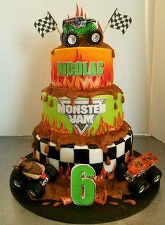 Monster Jam 3 tier cake Festa Monster Truck, Monster Truck Birthday Cake, Monster Trucks, Monster Truck Cakes, Digger Birthday Cake, 4th Birthday Cakes, Birthday Ideas, Grave Digger Cake, Monster Jam Cake