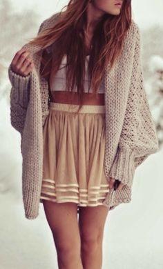 Oversized Cardigan With Layer Skirt Looks Street Style, Looks Style, Looks Cool, Style Me, Snow Style, Look Fashion, Fashion Beauty, Fall Fashion, Teen Fashion