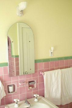 √ 24 Blue and Green Bathroom Decor Green Bathroom Decor, Art Deco Bathroom, Bathroom Interior, Bathroom Pink, Modern Bathroom, Yellow Bathrooms, Vintage Bathrooms, Bathroom Inspiration, Home Decor Inspiration