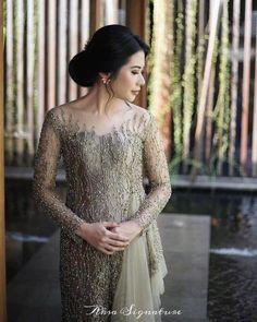 Model Kebaya Brokat Modern, Dress Brokat Modern, Kebaya Modern Dress, Kebaya Dress, Best Wedding Dresses, Bridal Dresses, Kebaya Jawa, Hijab Prom Dress, Kebaya Wedding