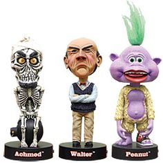 Press the button at the base of these highly detailed polyresin head bobbers for a bite-size bit of hilarity!