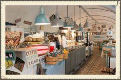 The 10 Best Cafés and Coffee Houses in Vienna, Austria Restaurant Bar, Brooklyn Coffee, Austria Winter, Cafe Concept, Vintage Cafe, Cool Cafe, Vienna Austria, Handmade Home Decor, Vienna