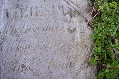 Najstarszy zachowany nagrobek na cmentarzu z 1871 r. należy do Martina Lieske