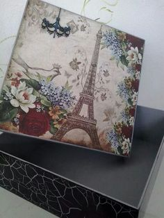 Caja romantica Decoupage Vintage, Decoupage Box, Altered Boxes, Diy Recycling, Diy And Crafts, Arts And Crafts, Creative Box, Shabby Chic Crafts, Gift Boxes