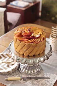 Patisserie second edition Just Desserts, Delicious Desserts, Yummy Food, Bakery Recipes, Dessert Recipes, Charlotte Cake, Le Cordon Bleu, Tall Cakes, Breakfast Dessert