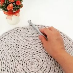 Best 12 Crochet lesson series – Page 476537204321444934 – SkillOfKing. Diy Crafts Crochet, Crochet Home, Crochet Projects, Free Crochet, Knit Crochet, Crochet Motifs, Crochet Stitches, Knitting Patterns, Crochet Patterns