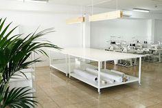 Design Studio Office, Office Interior Design, Office Interiors, Art Studio Room, Studio Table, Sewing Room Design, Sewing Rooms, Sewing Studio, Boutique Interior
