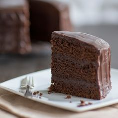 This intense chocolate fudge cake recipe from BakingMad.com is an indulgent treat for the times when only chocolate will do!
