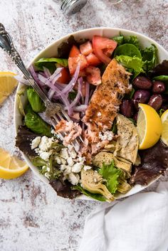 This Grilled Salmon Salad is full of crunchy veggies, grilled salmon and an easy homemade champagne vinaigrette. Easily customized for lunch or dinner! Tilapia Recipes, Veggie Recipes, Salad Recipes, Dinner Recipes, Veggie Food, Lemon Vinaigrette Dressing, Champagne Vinaigrette, Baked Teriyaki Salmon, Baked Salmon
