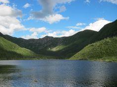 Lac aux Américains, Parc national de la Gaspésie. Photo : Tourisme Gaspésie. #Gaspesie