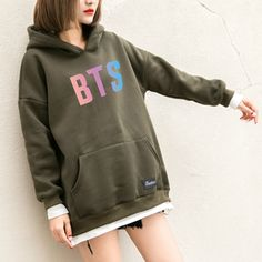 BTS Hoodies Women New Kpop BTS Bangtan Antumn Fleece Hooded Sweatshirt Harajuku Winter Hip Hop Patchwork Moletom Drop Shipping Bts Hoodie, Bts Shirt, Hipster Outfits, Kpop Outfits, Mochila Do Bts, Bts Clothing, Winter Hoodies, Mode Hijab, Mode Style