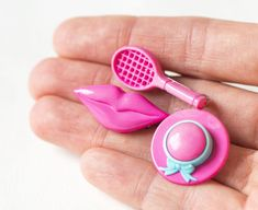 Free Shipping Vintage Plastic Pins Tennis Racket Lady Hat