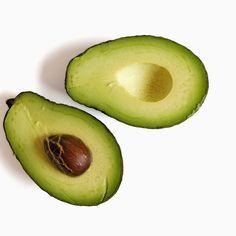 Avocats= avocado= Lutter contre la graisse avec de la graisse: les avocats sont riches en acides gras monoinsaturés, qui peuvent aider à diminuer la graisse du ventre. Jetez quelques tranches sur votre rôties du matin, ou essayez l'une de ces recettes saines avocat de déjeuner .