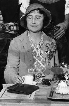 Elizabeth, Duchess of York (1900 - 2002), future Queen Consort of King George…
