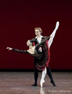 Danill Simkin and Roberta Marquez in the grand pas de deux from Don Quixote
