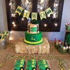 Tractor Birthday Cakes, Farm Birthday, 3rd Birthday Parties, Birthday Party Decorations, Tractor Cupcakes, Birthday Banners, Birthday Invitations, Birthday Ideas, First Birthdays