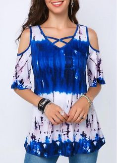 Casual Blue And White Shirt Criss Cross Front Printed Cold Shoulder Blouse Trendy Tops For Women, Blouses For Women, Mode Outfits, Fashion Outfits, Fashion Ideas, Fasion, Fashion Clothes, Fashion Inspiration, Older Women Fashion