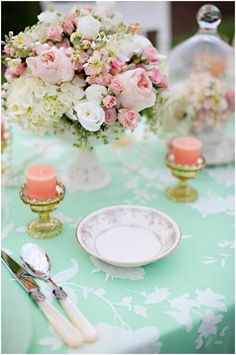 colour me pretty: pink   mint   gold