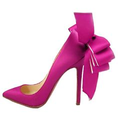 ... shoes. Lots and lots of shoes. LOADS of shoes. Just look at that bow!!