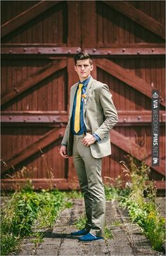 groom looks | CHECK OUT MORE IDEAS AT WEDDINGPINS.NET | #bridesmaids