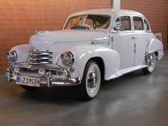 Opel Kapitän (1953)  Muhaha, das ist mein Auto ;) Nurin neranderen Farbe, bitte ^^