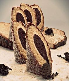 """Panjićki """"As others turned out - Coolinarika Bakery Recipes, Sweets Recipes, Cupcake Recipes, Easy Desserts, Cookie Recipes, Bounty Chocolate, Chocolate Desserts, Mini Cakes, Cupcake Cakes"""